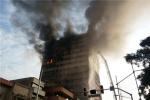 ساختمان پلاسکو دیگر وجود ندارد/ تماس موبایلی آتشنشانان محبوس شده