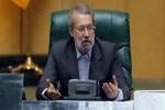 لاریجانی در مراسم بزرگداشت روز خبرنگار: دشمن به دنبال ناامنسازی است/ راهانداختن جنگ بعید است