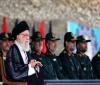 رهبر انقلاب در دانشگاه امام حسین (ع): در مقابل آمریکا کوتاه نمیآییم