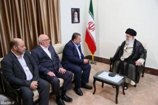 رهبر معظم انقلاب اسلامی در دیدار هیئتی عالیرتبه از جنبش حماس: موضوع فلسطین قطعاً به نفع مردم فلسطین و دنیای اسلام تمام خواهد شد